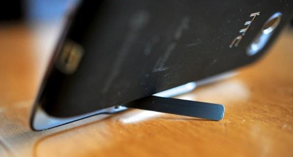 HTC Surround подставка для постановки на горизонтальную поверхность