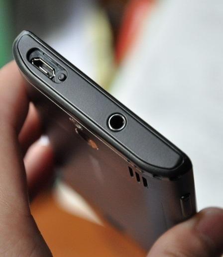 Samsung I8700 Omnia 7 дизайн