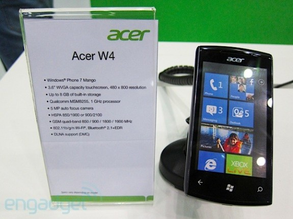 Acer W4 - смартфон с Windows Phone 7 Mango
