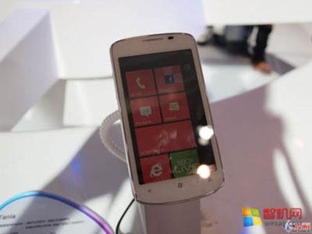 ZTE Tania - новый смартфон линейки Windows Phone Mango