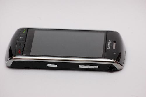 кнопки BlackBerry Storm